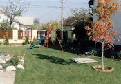 Dunakeszi, családi ház kis udvarral